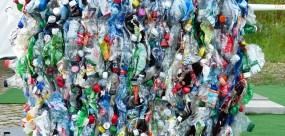 Plastic bottes